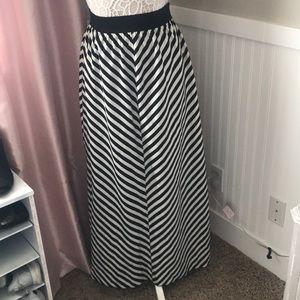 Maxi skirt size S